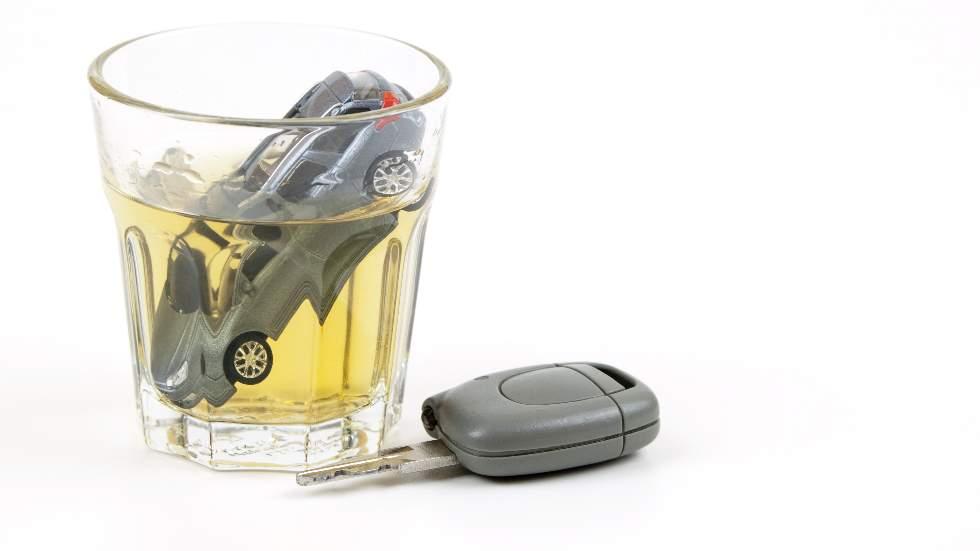 El 40 por ciento de los españoles reconoce haber conducido después de beber