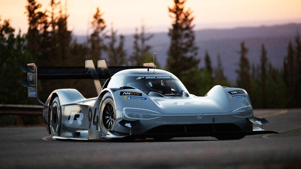 """VW ID. R: un súper coche eléctrico en la """"Carretera al cielo"""" de Tianmen en China"""