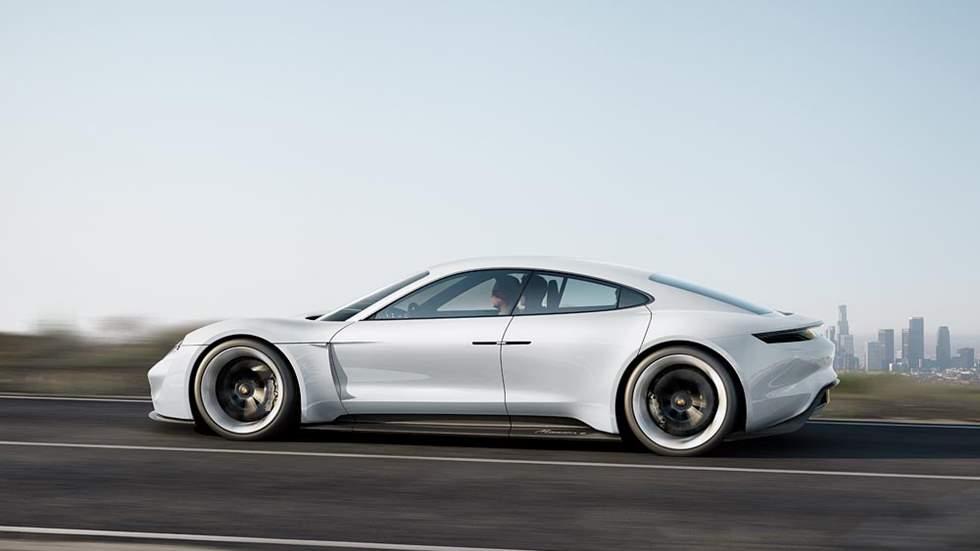 El Porsche Taycan, ya en fase final de pruebas: así es el eléctrico