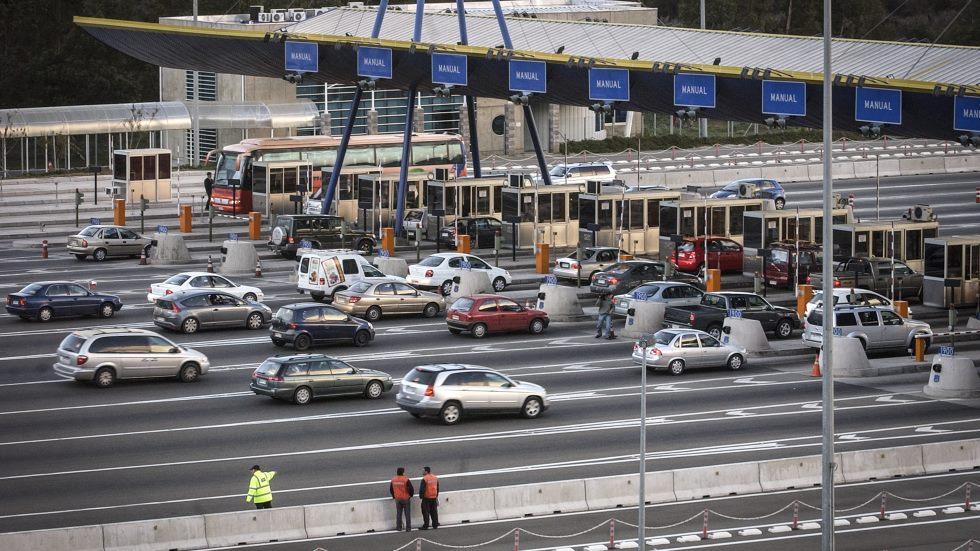 Acuerdan un nuevo impuesto al coche para financiar el metro