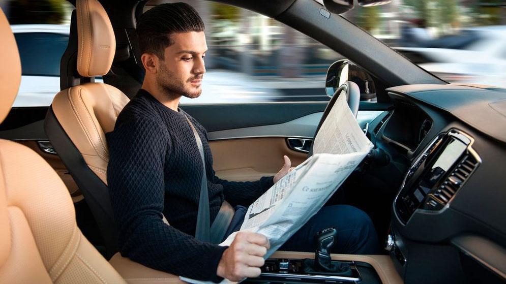La conducción autónoma está aquí: Volkswagen, con un Golf eléctrico, y PSA ya la prueban