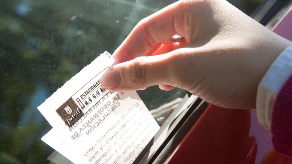 ¿Te pueden multar varias veces por lo mismo sin antes notificarlo?