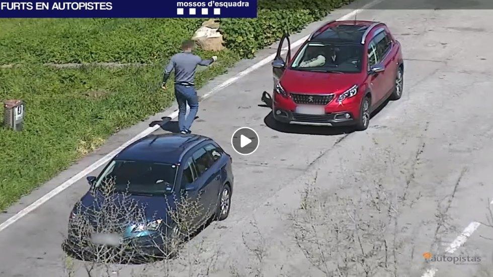 El timo de la avería, en vídeo: la policía alerta de robos en carretera