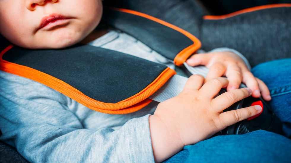 Comprueba si tienes estas sillitas infantiles de coche: la OCU pide no usarlas por peligrosas