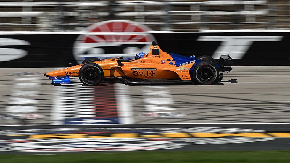 Indianápolis 500: Alonso probó el McLaren en Texas
