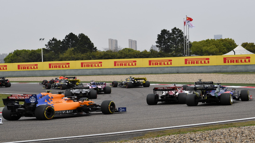 GP de China de F1: Sainz 14º tras sufrir un accidente en la primera vuelta