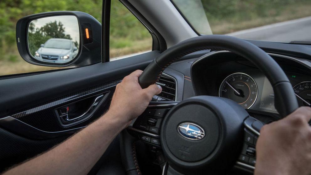 La Policía vuelve a alertar del timo del retrovisor: así lo puedes evitar (vídeo)