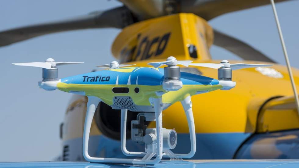 Drones de la DGT: ¿Multan ya? ¿Cuántos hay? ¿Cómo controlan el tráfico?