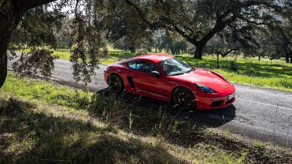 Los nuevos Porsche Boxster y Cayman tendrán versiones electrificadas