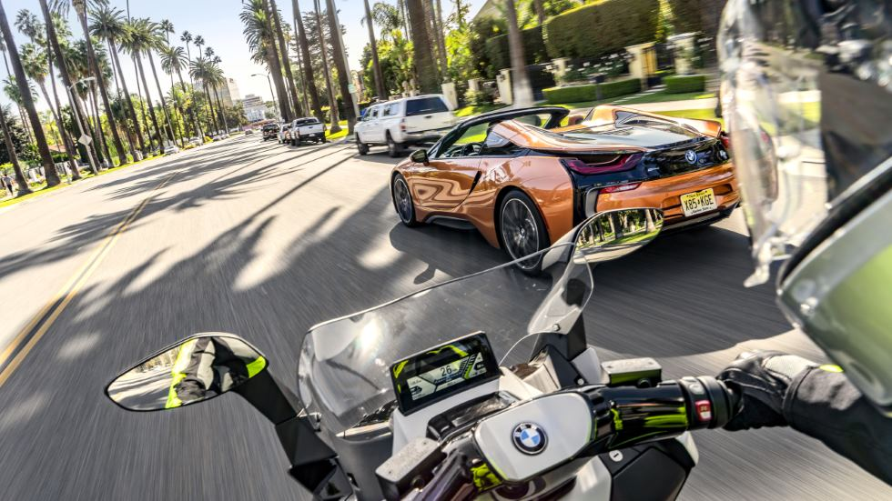 BMW i8 Roadster y C Evolution: recorremos Los Ángeles en la nueva movilidad eléctrica