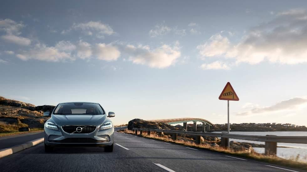 El efecto pantalla: te decimos cómo evitar este gran peligro con tu coche