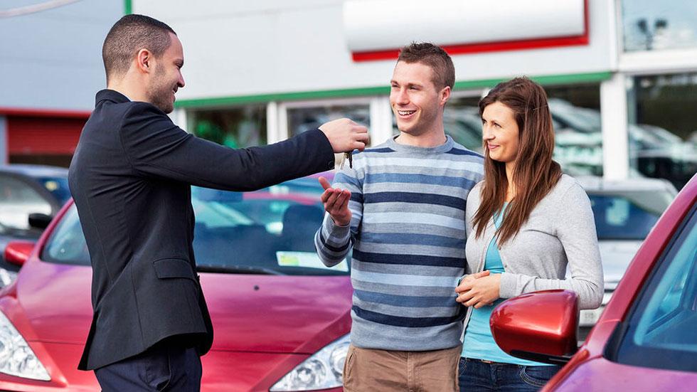 Los mejores consejos para comprar coche… ¡y mantenerlo bien!