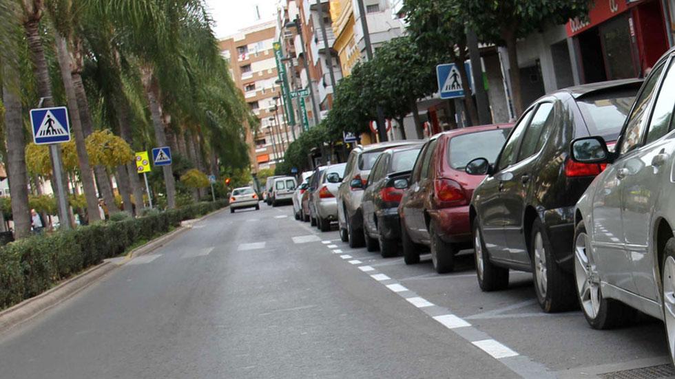 Las multas que te pueden poner por tener el coche aparcado o parado