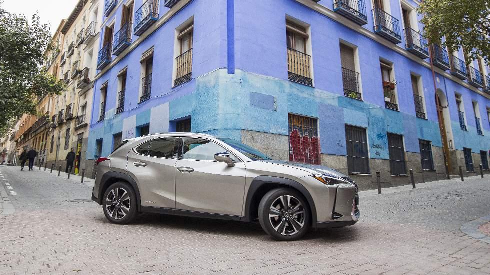 Revista Autopista 3099: prueba a fondo del Lexus UX, un SUV híbrido muy interesante
