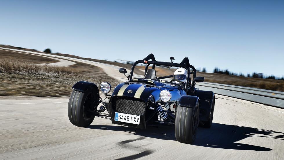 Garbi Mk1: probamos este deportivo español… ¿o moto de 4 ruedas?