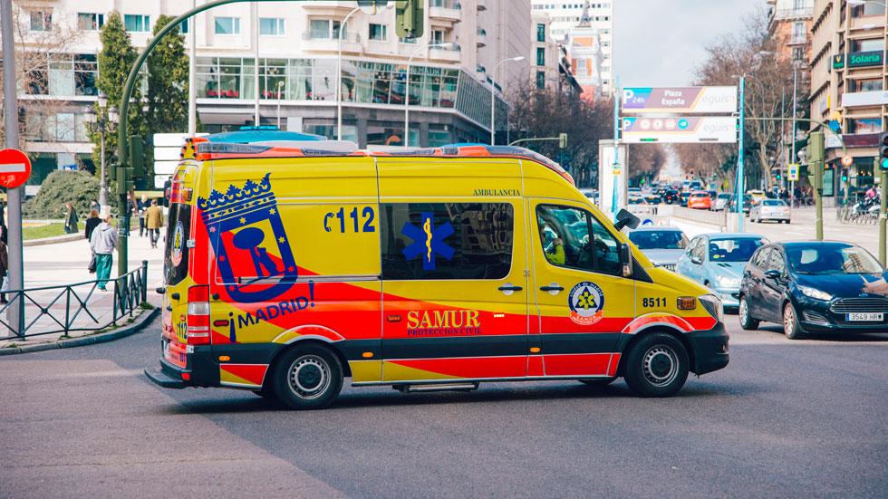 Cómo apartarse cuando viene un coche de emergencias