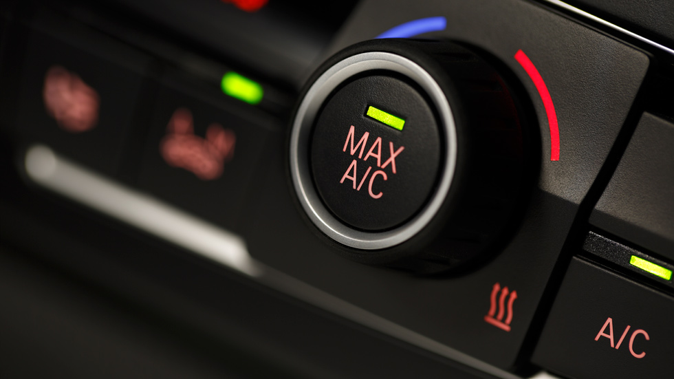 Dudas: ¿tener encendido el aire acondicionado quita potencia al coche?