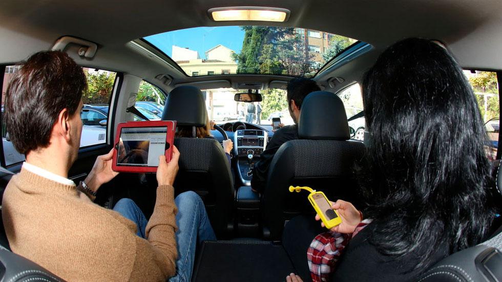 Así puedes convertir tu viejo coche en un punto de acceso a Internet con Wifi a bordo