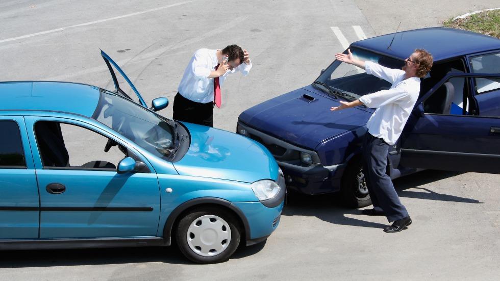 La estafa del falso abogado: la policía alerta de timos sobre accidentes de tráfico