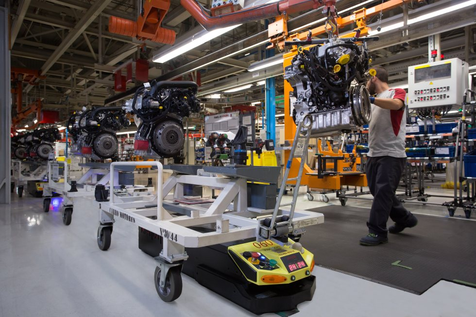 Alarma: la fabricación de coches sigue cayendo en España… y con más fuerza