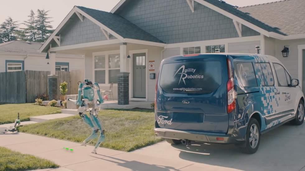 Ford desarrolla un robot que te lleva la compra del coche a tu casa (Vídeo)