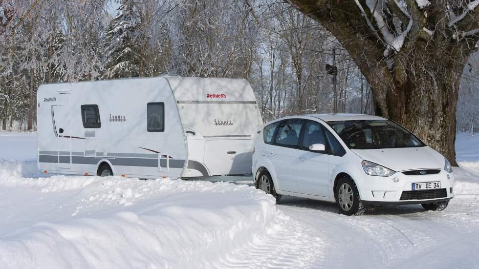 Coche híbrido o diésel: ¿cuál es la mejor opción para remolcar una caravana?