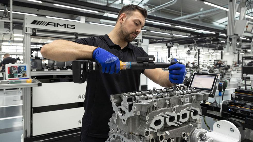 Así es ya el 4 cilindros más potente del mundo: todos los datos del nuevo motor de Mercedes-AMG