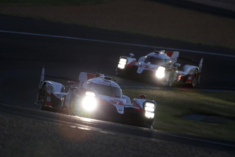 24H de Le Mans: lucha entre los Toyota