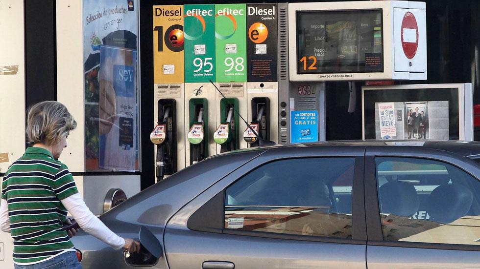 Gasolina y diésel baratos o low cost: ahorro, dónde están las gasolineras y ¿es malo para mi coche?