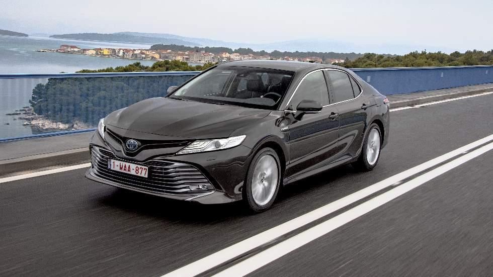 Toyota Camry Hybrid 2019: todos los precios y datos para España