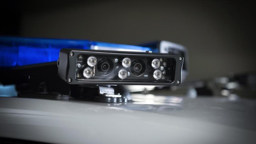 Así actúan los caza matrículas: gran éxito de las nuevas cámaras en coches de policía