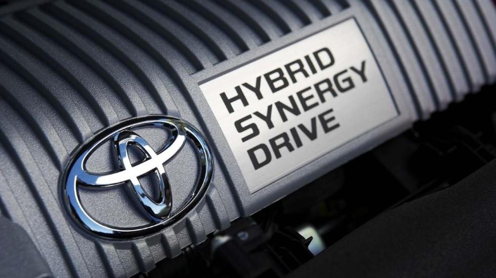 ¿Qué mantenimiento tiene un coche híbrido eléctrico?