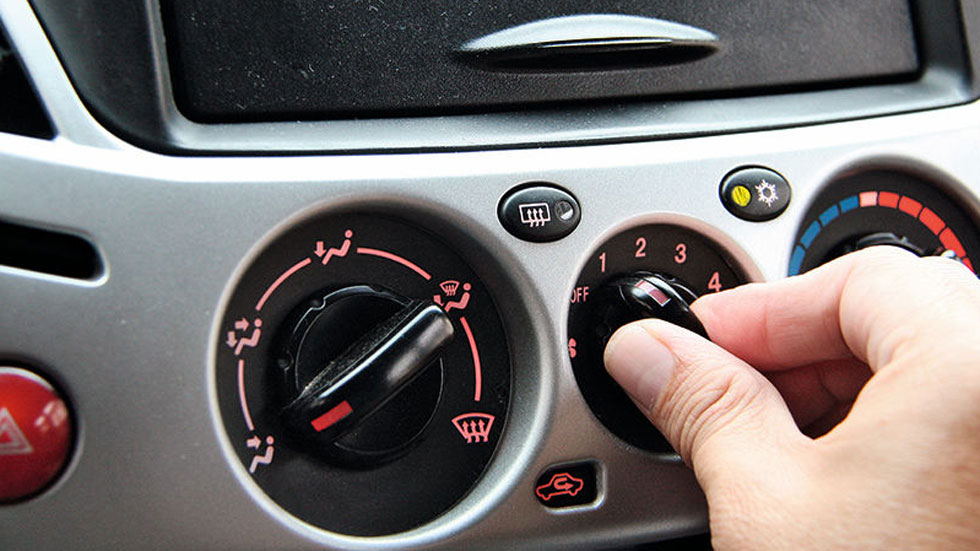 Los trucos definitivos para ahorrar gasolina usando el aire acondicionado