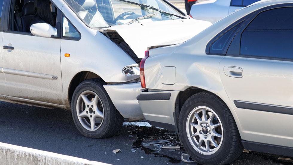 """Por qué la DGT alerta del """"efecto dominó"""" en carretera: qué es y cómo evitarlo"""