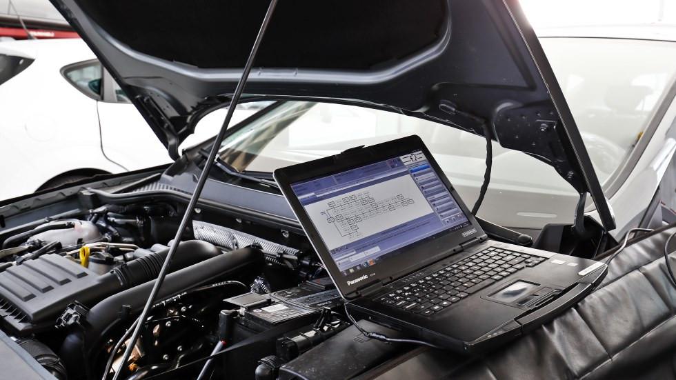 Las averías eléctricas más habituales en los coches nuevos: hasta 600 € de reparación