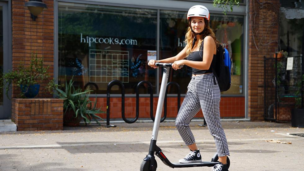 La DGT estudia ya un nuevo carné de conducir para bicicletas y patinetes eléctricos