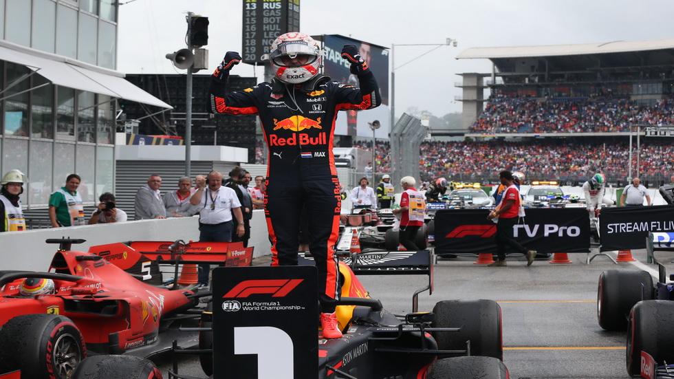 GP de Alemania de F1: Verstappen gana una emocionante y caótica carrera, con Sainz quinto