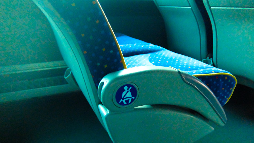 Cinturón de seguridad en autobuses: ¿es obligatorio? Todo lo que tienes que saber