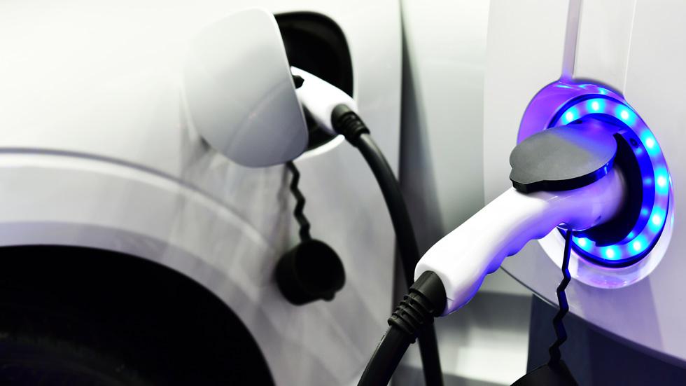 ¿Quieres comprarte un coche eléctrico? Éstas son todas las ayudas a la compra