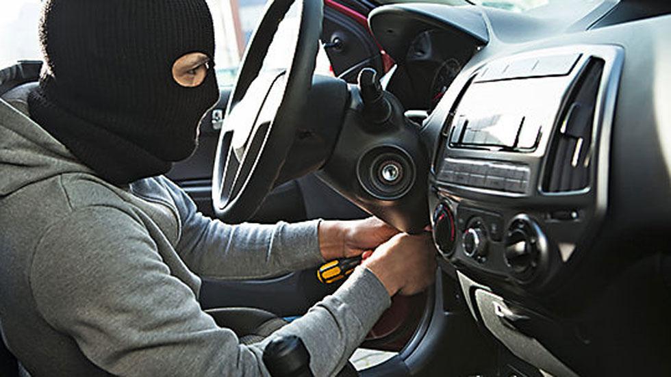 Todos los timos y estafas que puedes sufrir con el coche y como conductor