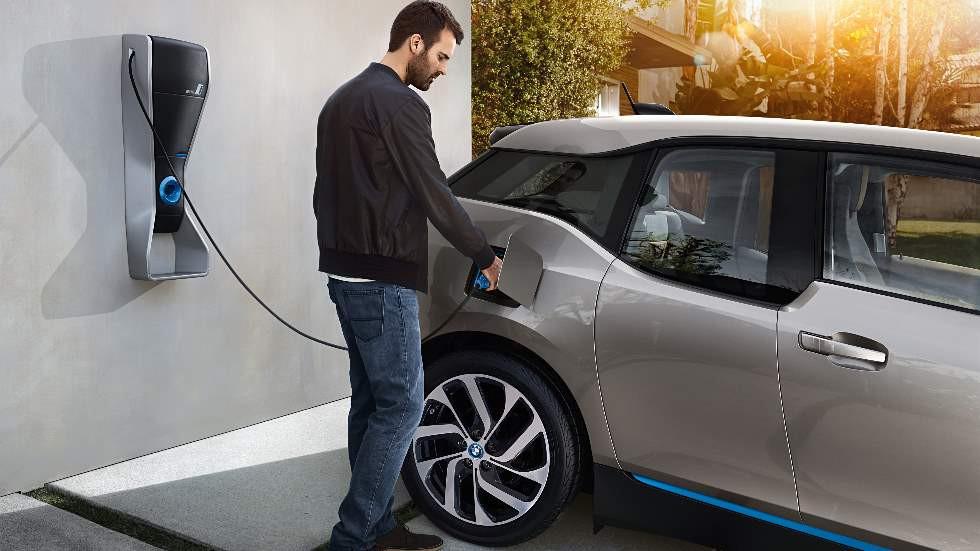 Las ventas de coches eléctricos no carburan: sólo el 0,7 por ciento del total del mercado