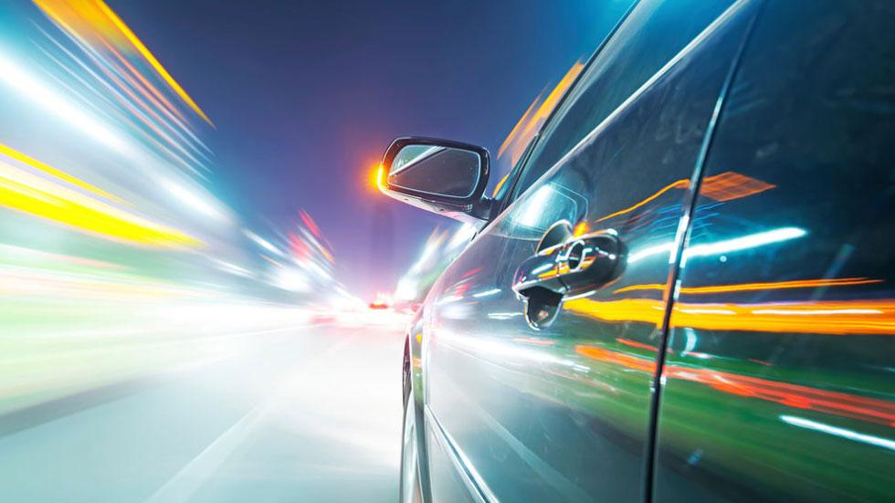 Superar la velocidad permitida: la DGT te explica los casos en los que es delito