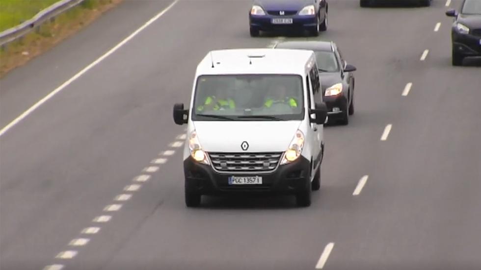 Furgonetas camufladas, la nueva herramienta de la DGT para multar a los conductores