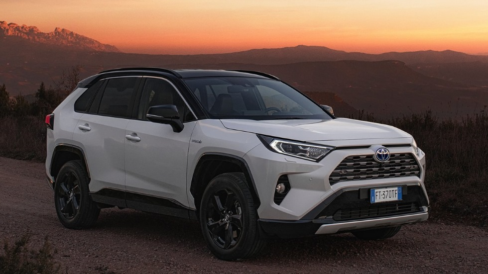Toyota RAV4 PHEV 2020: el SUV podría estrenar una versión híbrida enchufable