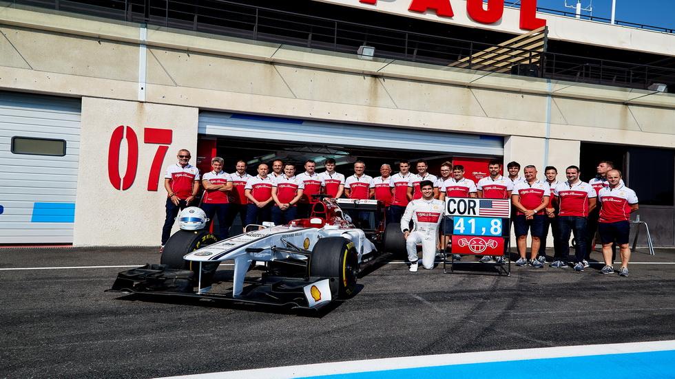 Juan Manuel Correa se sube por primera vez a un F1