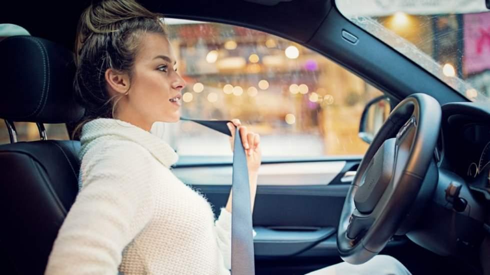 Por qué los coches nuevos son más seguros para los hombres que para las mujeres