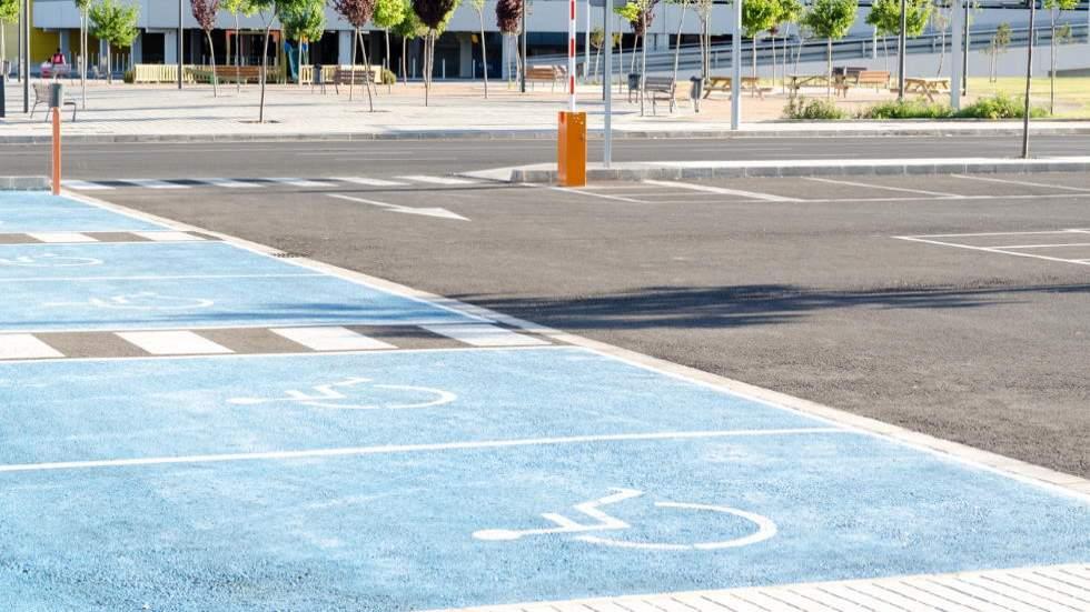 ¿Pueden multarte por aparcar o circular mal en el párking de un centro comercial o supermercado?