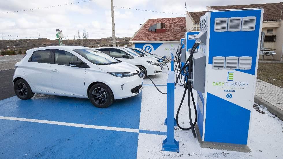 ¿Cuántos puntos de carga públicos para coches eléctricos hay en España?