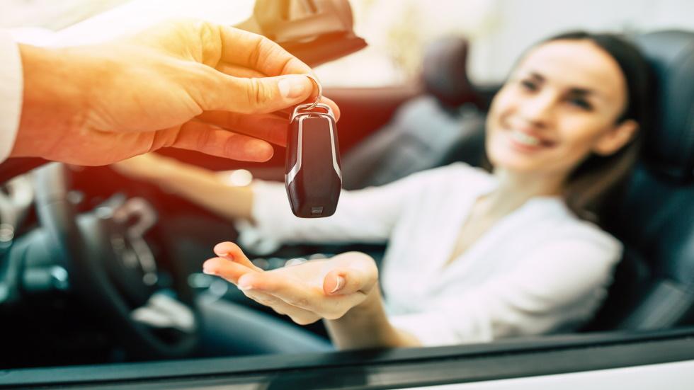 Quiero un coche último modelo: ¿renting o compra?