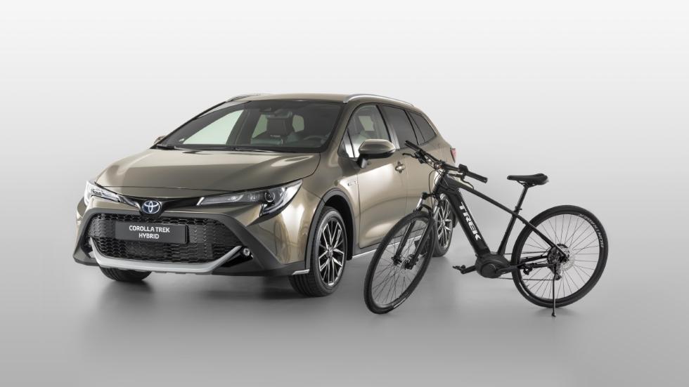 Toyota Corolla Trek: el compacto híbrido, ahora con estética off road… y bicicleta
